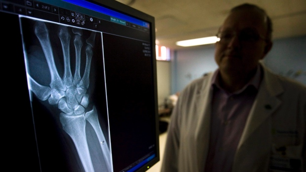 elatonin help strength bone density