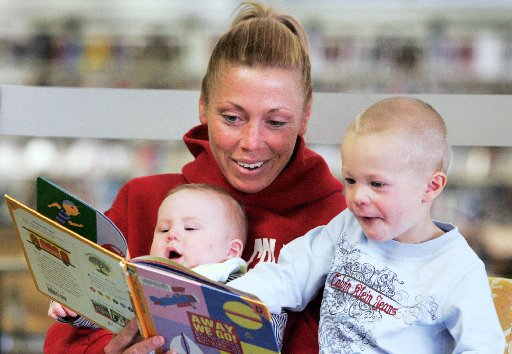 Pediatrics Group to Recommend Reading Aloud to Children From Birth