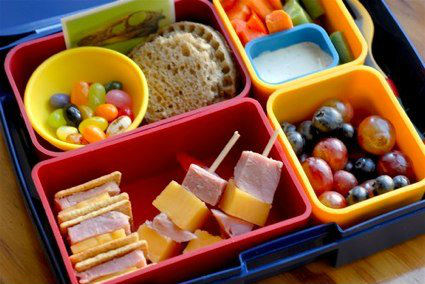 10 Tips for Packing Healthy School Lunches