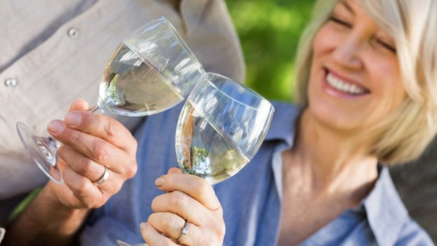 Middle-aged drinking 'impairs memory'